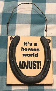 Horseshoe-It-s-A-Horses-World-Wall-Plaque-8-1-2-X-5-X-1-Barb-Wire-Hangar