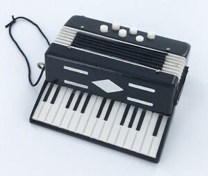 Realistic-Miniature-Accordion-Christmas-Tree-Ornament-by-Broadway-Gifts-NEW