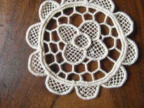 UN ANCIEN NAPPERON coton beige dentelle de venise 10 cm @OLD mat