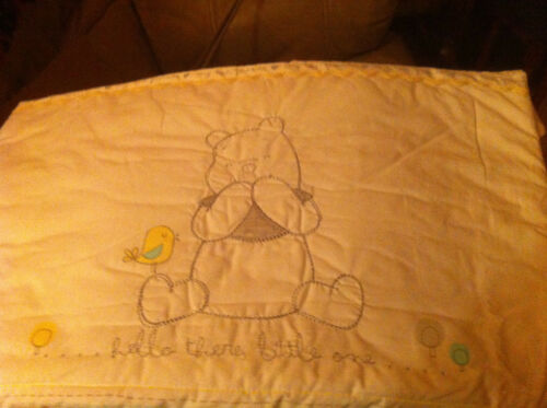 3 PIECE DISNEY WINNIE THE POOH AND FRIENDS CRIB SET WHITE IN COLOUR