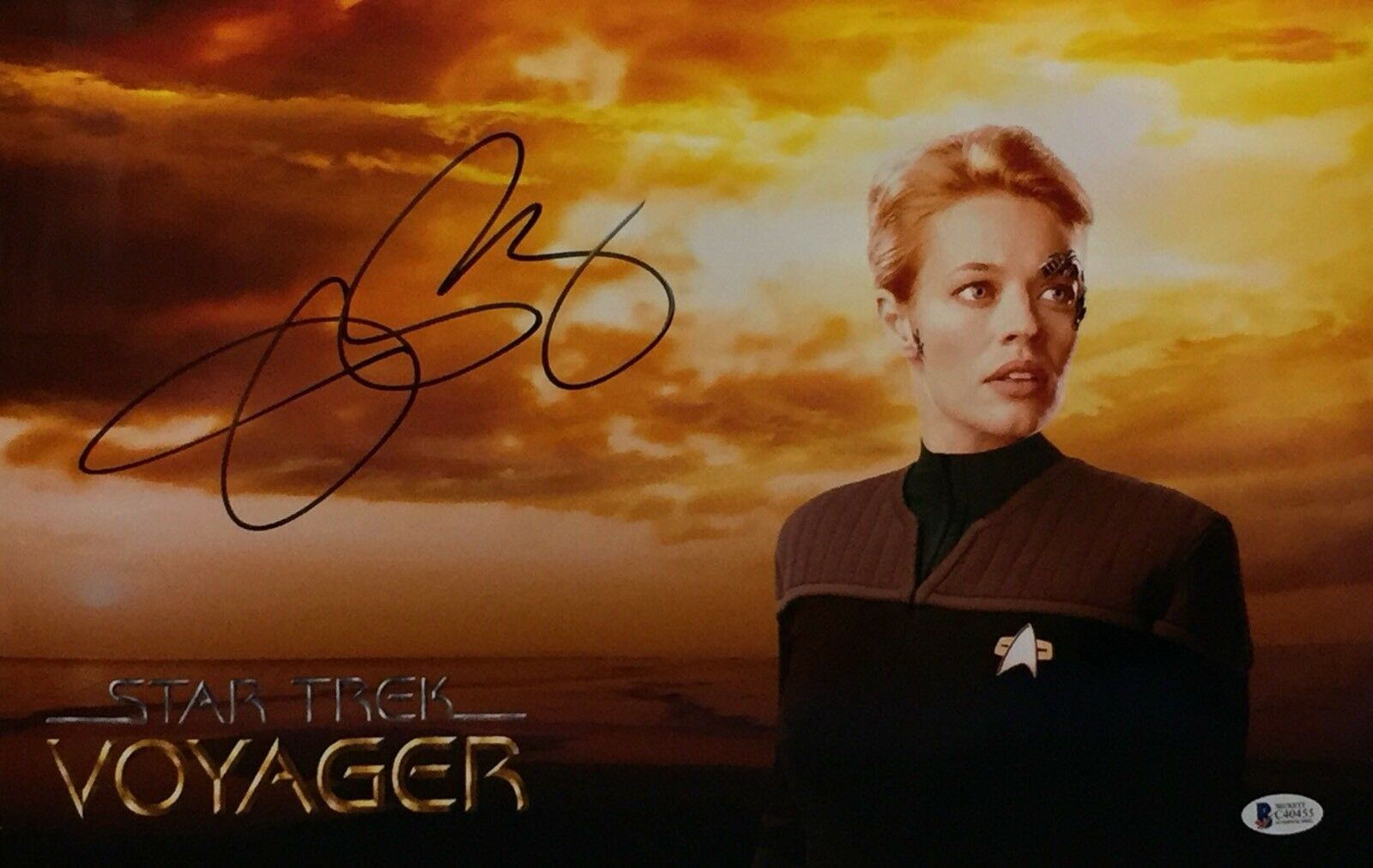Jeri Ryan Signed Star Trek Voyager 11x17 Metallic/Chrome Photo Beckett C40455