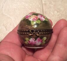 Limoges France Peint Main Roses Porcelain Pill Box Trinket Box w Bow Latch Vtg