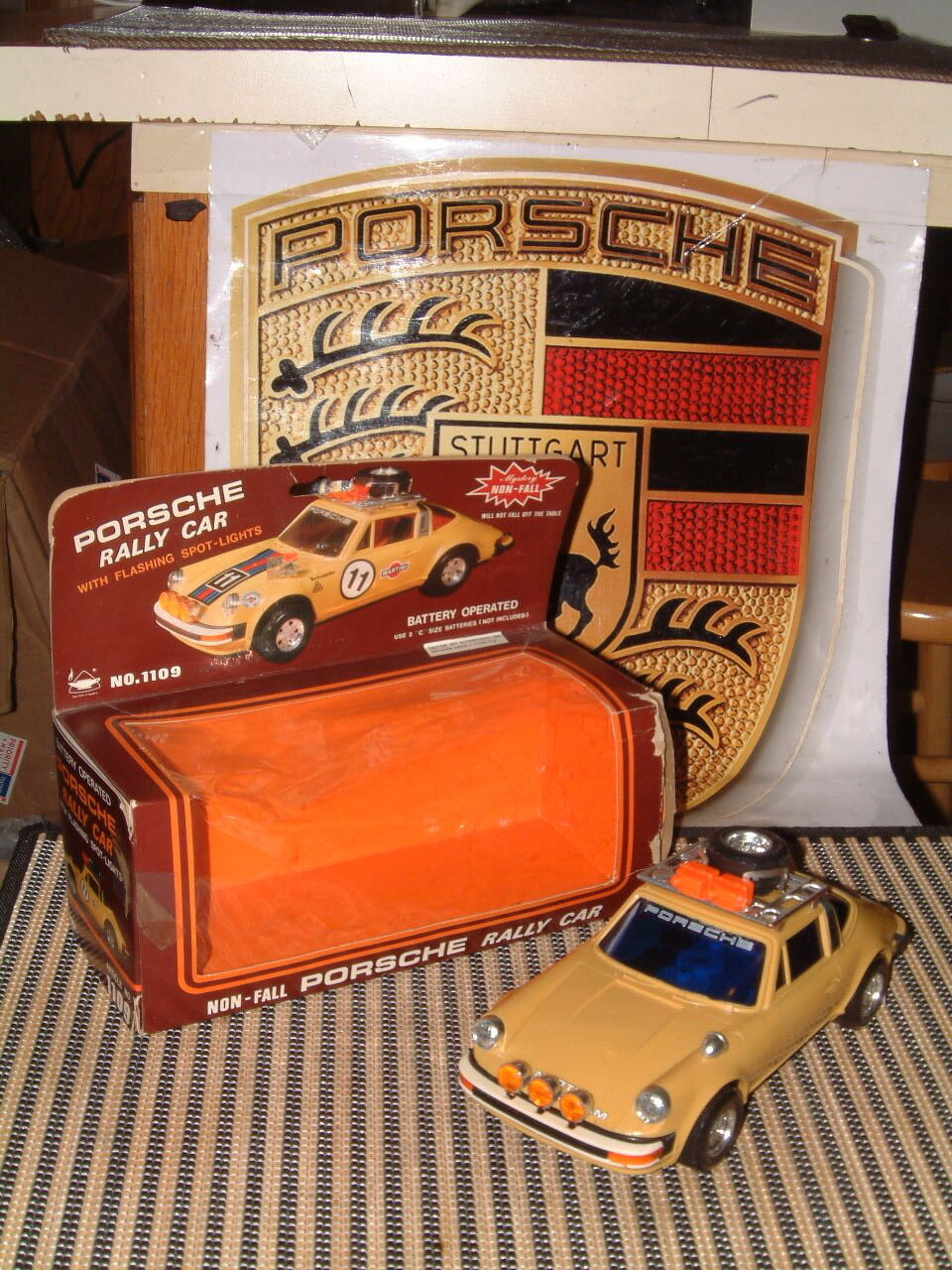 VINTAGE PORSCHE 911 RALLY VERSION W NON-FALL ACTION & FLASHING LIGHTS W BOX