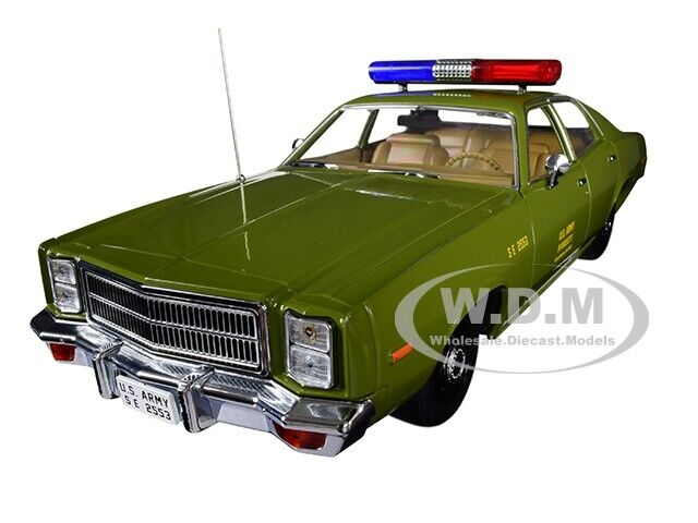 1977 PLYMOUTH FURY US ARMY POLICE  THE A-TEAM  1 18 DIECAST CAR verdeLIGHT 19053