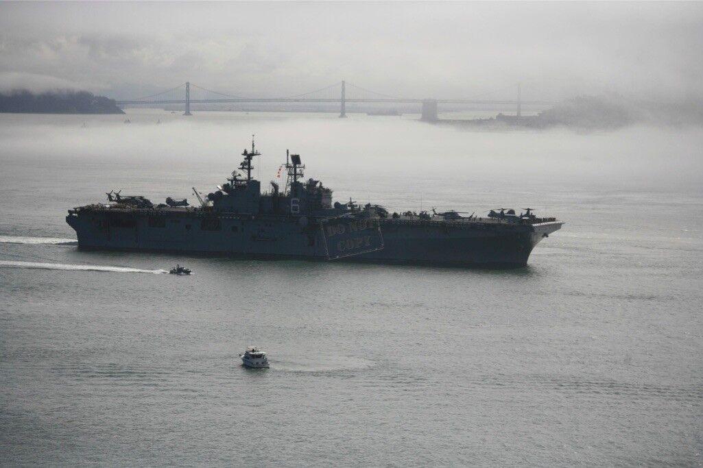 US NAVY USN amphibious assault ship USS Bonhomme Richard LHD 6 12X18 PHOTOGRAPH