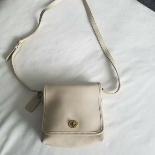 Coach Vintage Off White Cross Body F9P9076 Purse