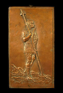 Copieux Soldat Gaulois En Faction Plaque En Cuivre Signée Gallic Soldier On Duty H 18 Cm