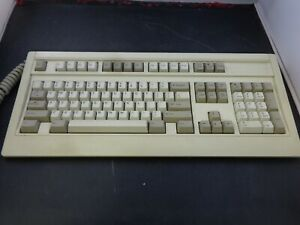Vintage-Fujitsu-Mechanical-Keyboard-Model-FKB4700-Series-5-PIN-COLLECTIBLE-PC