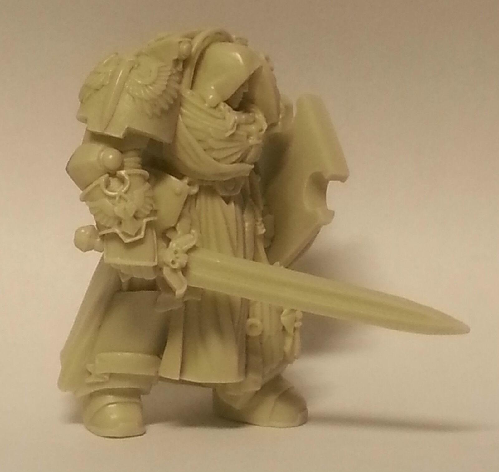 Angel Caballero espacio de la oscuridad 2 2 2 con escudo y espada. ala de la muerte Marine. ce5162