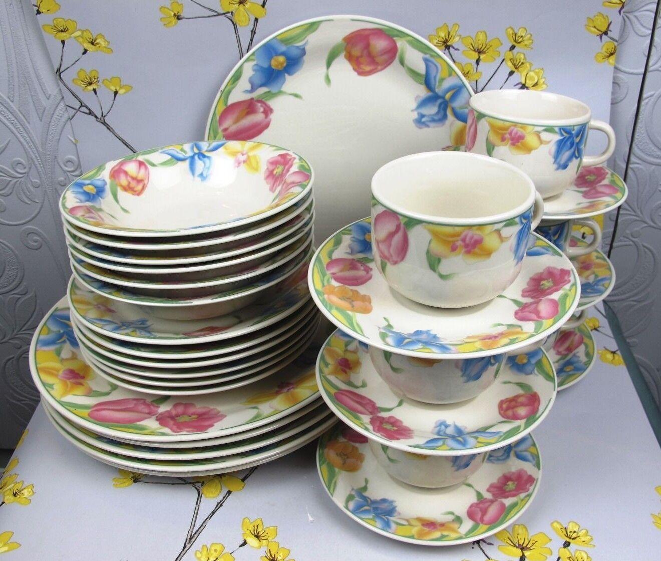 Vintage crown Dynasty Tulip Service de table pour 6. Complet. Plaques Tasses etc.