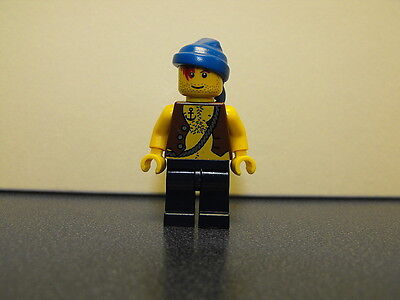 Lego Pirate Minifigure With Chest Hair Peg Leg /& Blue Head Wrap