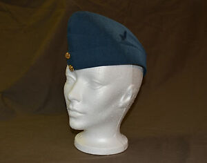 Used-Royal-Canadian-air-force-cadet-wedge-size-7-with-badge-refw5Box146