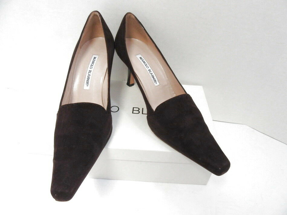 MANOLO BLAHNIK EGGPLANT SUEDE POINTED TOE PUMPS SZ 38.5
