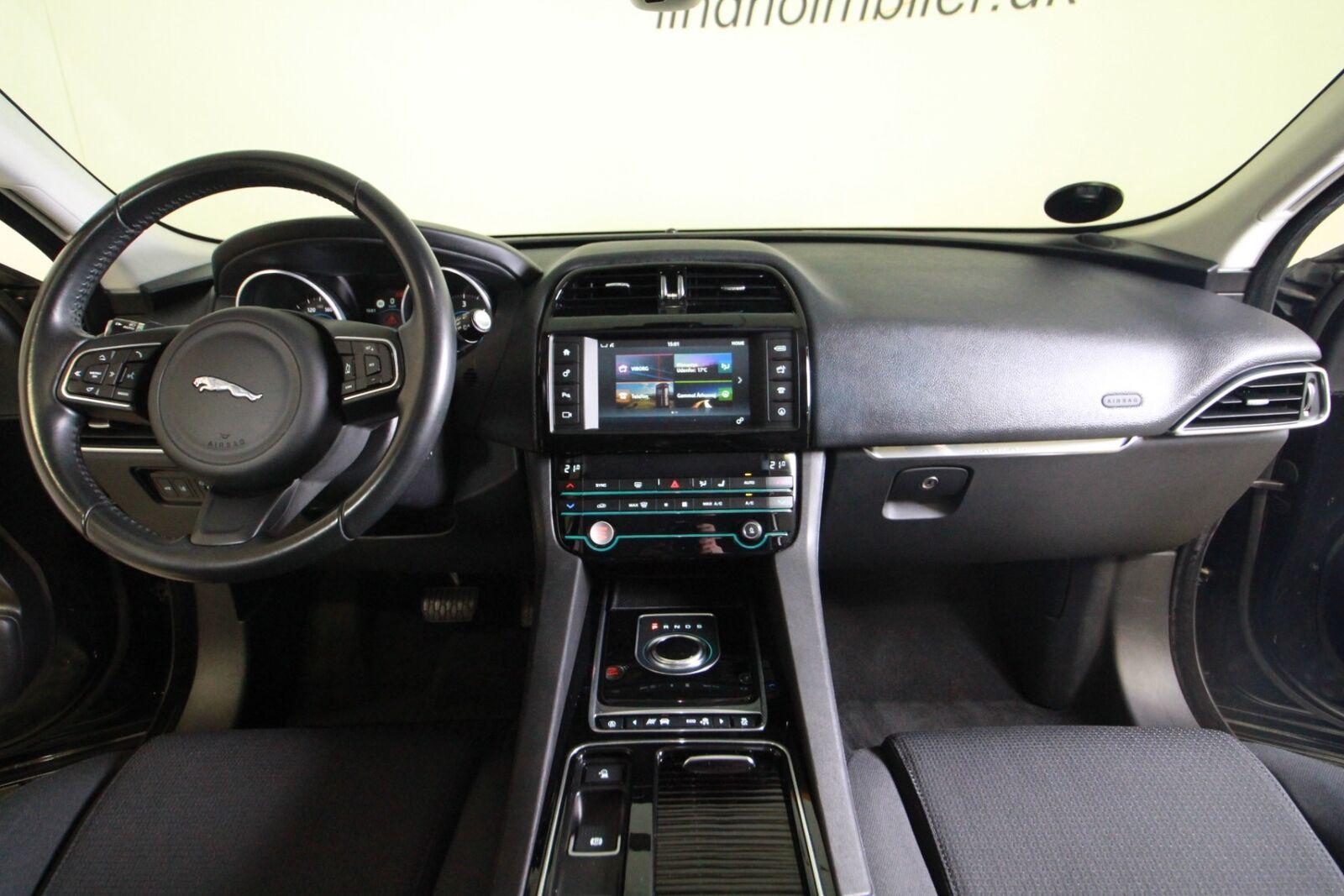 Jaguar F-Pace D180 Pure aut.