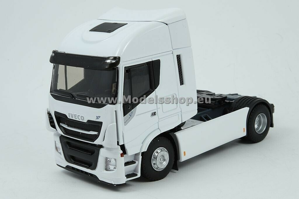Iveco Stralis 570 XP tractor truck  Weiß