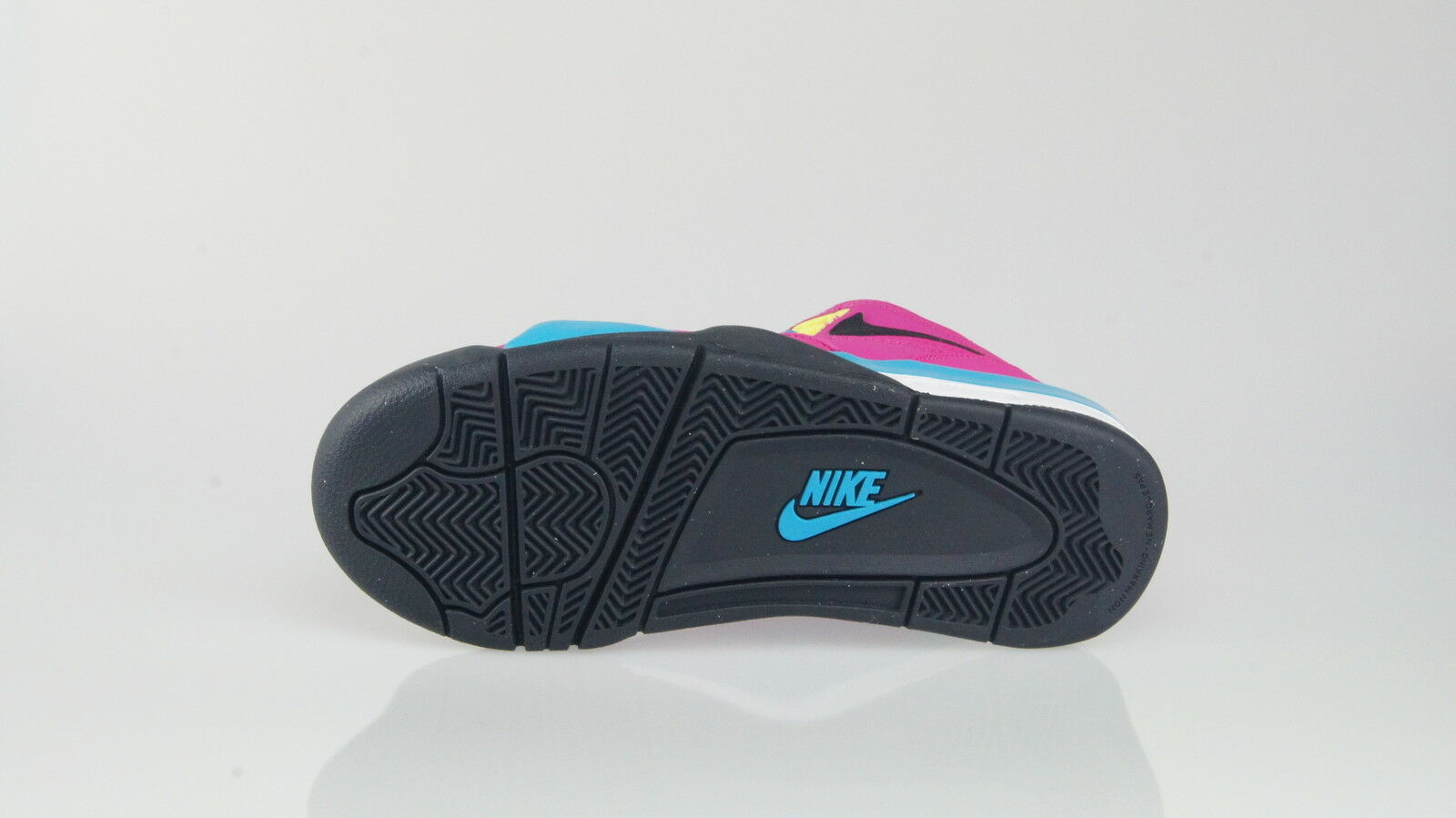 check out c1d8f e09d9 ... NIKE AIR FLIGHT 89 89 89 Size 38 (6Y) 583dda  For Business