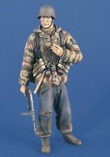 Verlinden 200mm (1/9) German Panzergrenadier with MP 40 WWII [Resin Figure] 2237