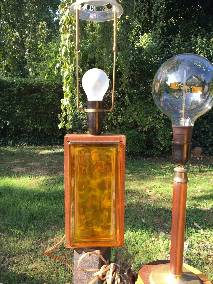 Smuk ældre teaktræs bordlampe , 1940-1960'erne