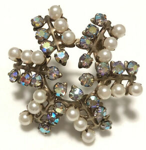 Vintage 1950s to 1960s Small Round Snowflake Shaped PearlRed Aurora Borealis Pronged Rhinestones Gold Tone PinBrooch