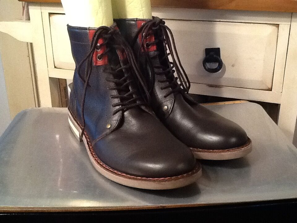 PENGUIN BY MUNSINGWEAR Jerry Jeff Brown Casual LaceUp Ankle Chukka Boots Size 7M