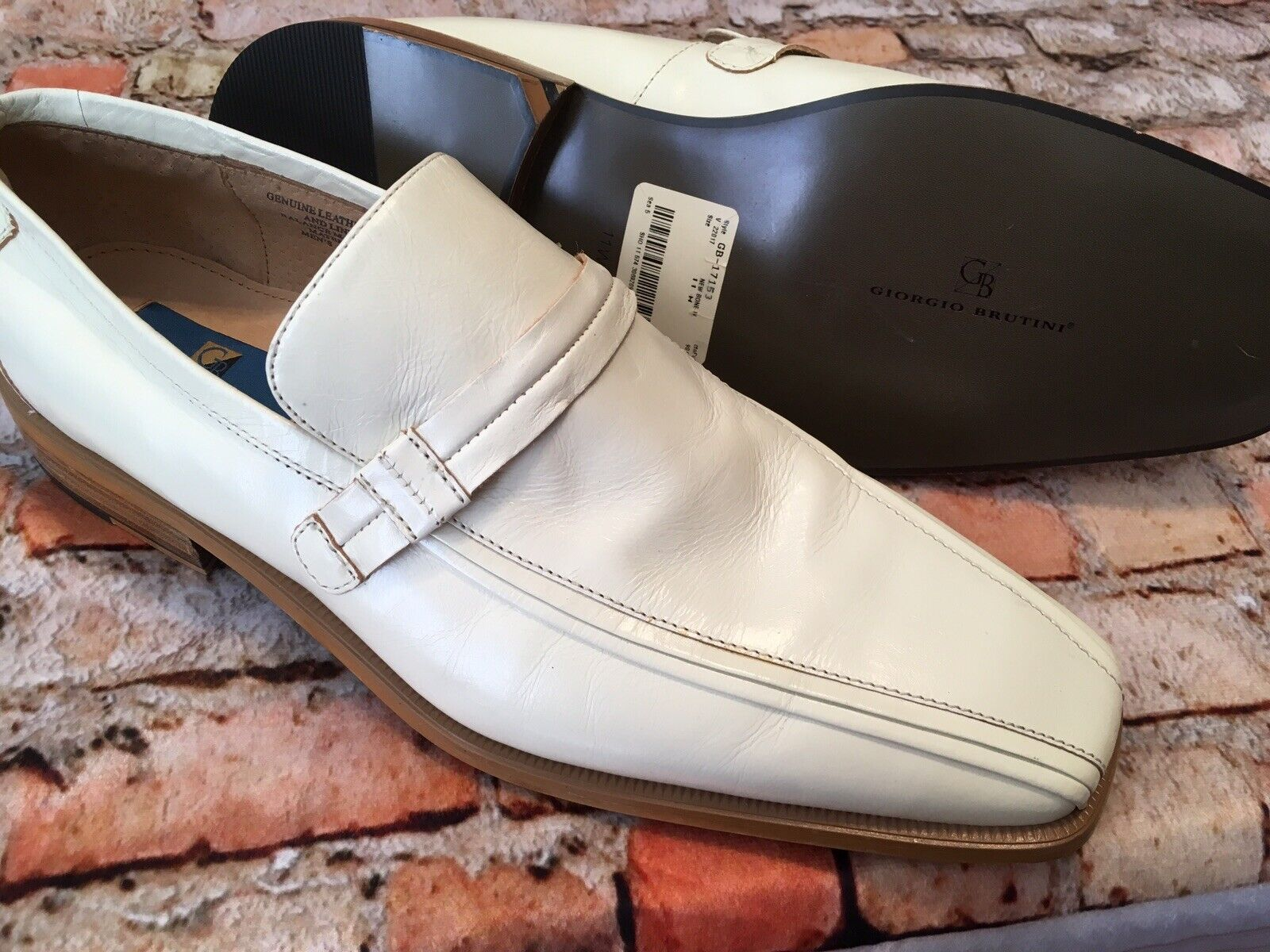 NEW Giorgio Brutini Men's Slip On Genuine Leather Bone colord shoes Size 11M