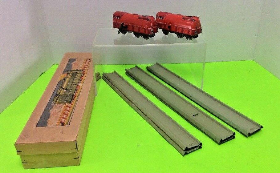 MADE MADE MADE IN US ZONE GERMANY RED TIN TRAIN ENGINE WIND-UP TOY - 4  LONG SET 930818