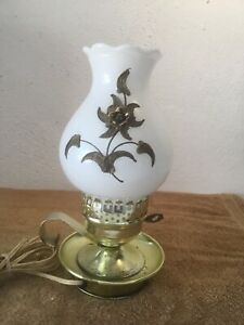Vintage-Hurricane-White-Milk-Glass-w-Raised-Flower-Small-Table-Lamp-Gold-Tone