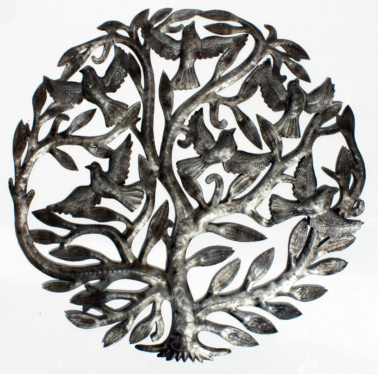 Grand arbre en métal avec des oiseaux volants, arbre de mur de la vie d'art 60cm