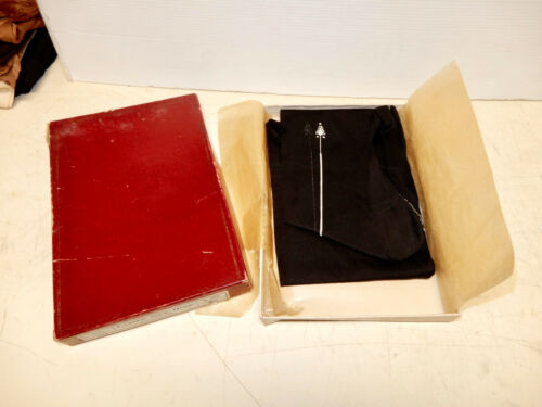 ANTIQUE NOS PAIR WOMANS ART DECO SILK STOCKINGS  1