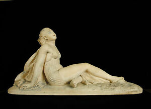 Femme-a-la-plage-en-maillot-de-bain-sculpture-art-deco-c1930-Woman-in-swimsuit