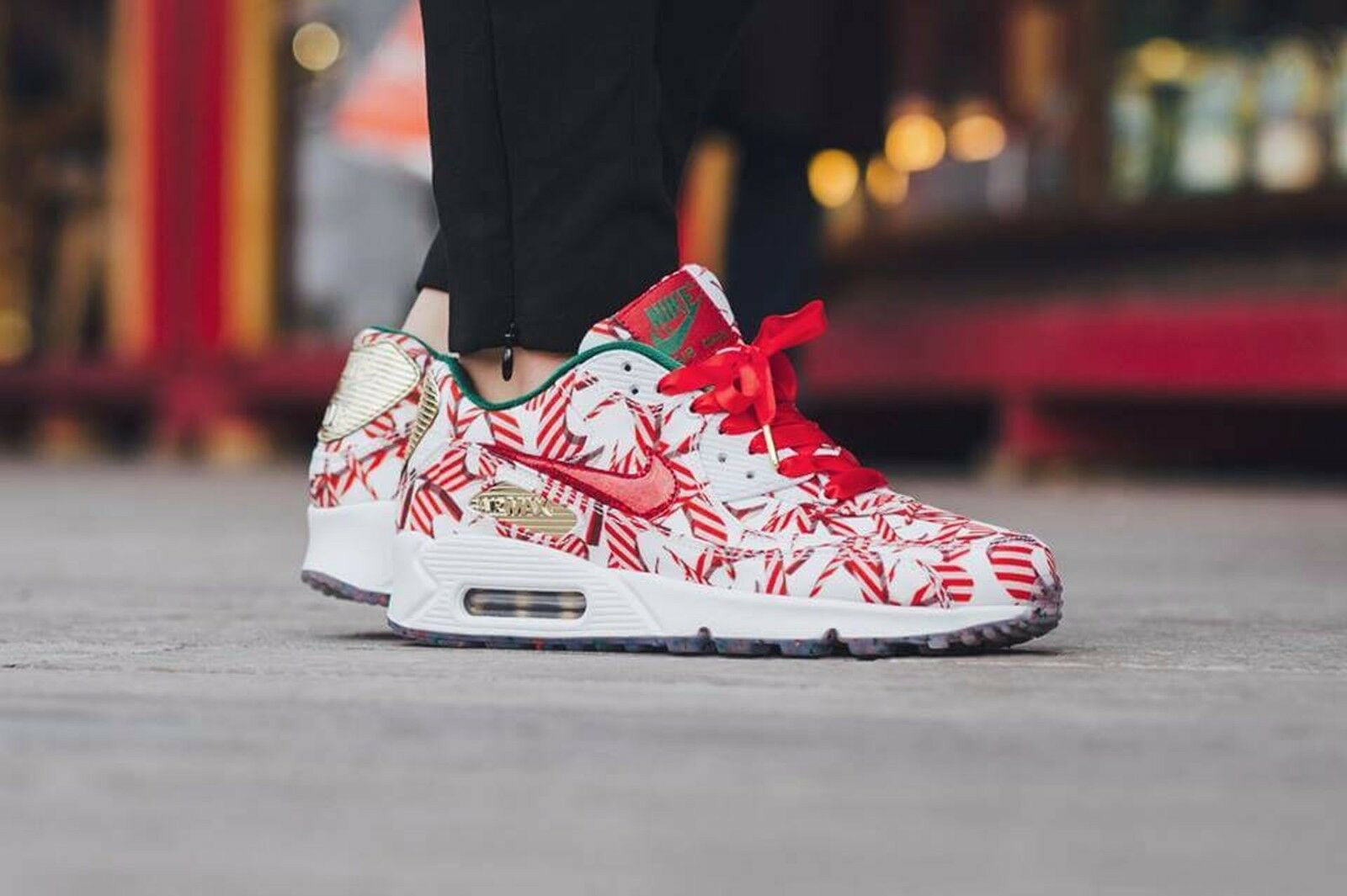 Nike air max 90 qs natale white-university red-gold 813150-101 wmn sz 6