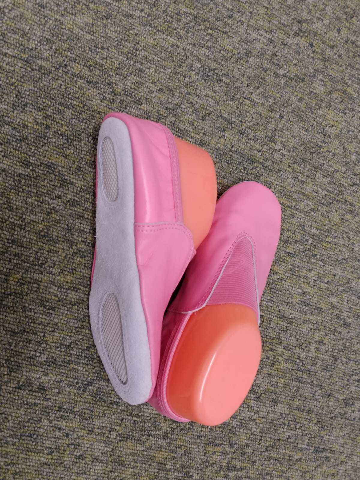 PINK LEATHER TRAMPOLINING /SLIPPER/ GYMNASTIC SHOES UNISEX