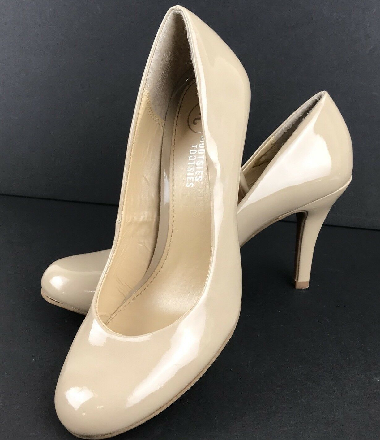 Mootsies Tootsies Moideal Tan Beige Patent Classic Pumps shoes Size 8 High Heels