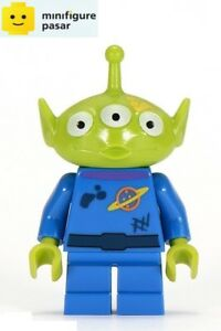 toy015-Lego-Disney-Toy-Story-7596-Alien-Yellow-Splotch-on-Face-Minifigure-New