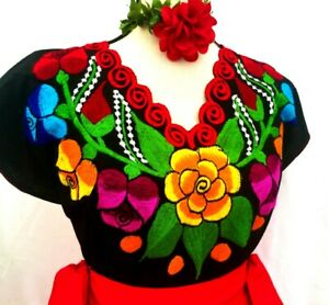 MEXICAN BLOUSE Embroidered Floral Tulip Chiapas top peasant Cotton Frida Vtg