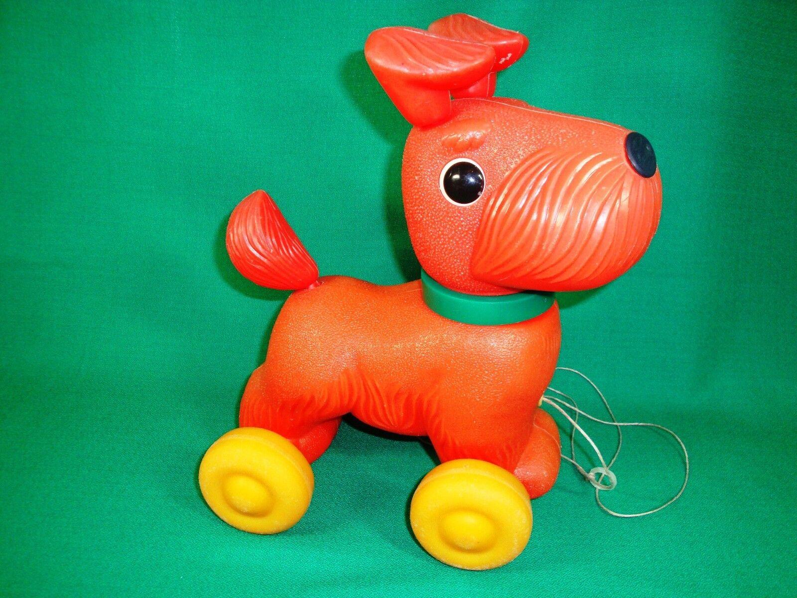 USSR VINTAGE Soviet RUSSIA PLASTIC TOY DOG ON WHEELS