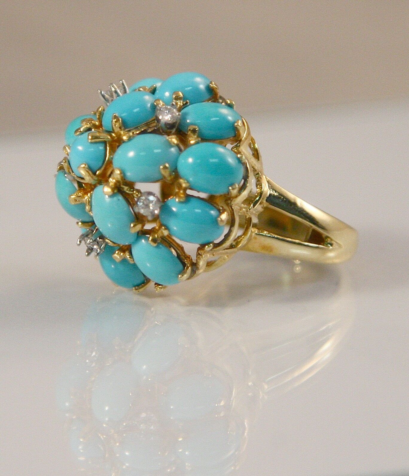 Beautiful 14k Yellow gold Dome Style Turquoise With Diamond Accents Ring Size 5