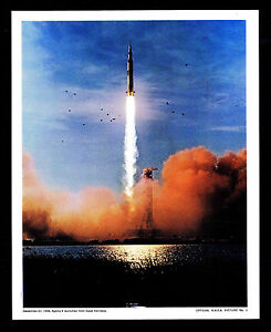 1968 APOLLO 8 LAUNCHED FROM CAPE KENNEDY - OFFICIAL NASA PICTURE #1 (ESP#7698)