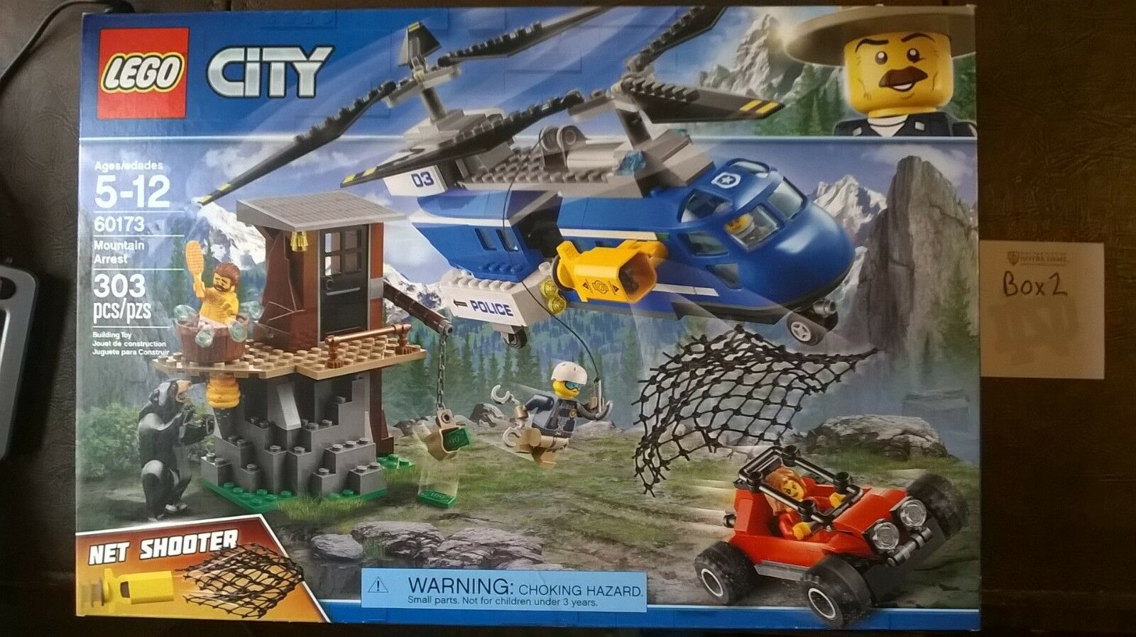 LEGO City Mountain Arrest 60173 New Sealed w  4 minifigures and bear  2