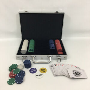 Texas Hold Em Poker Set 200 Pieces Includes Chips Cards And Carrying Case Ebay