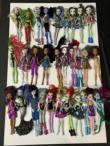 Monster-High-Dolls-Lot-Set-Of-30-All-With-Clothes-read-Description-Like5-Each