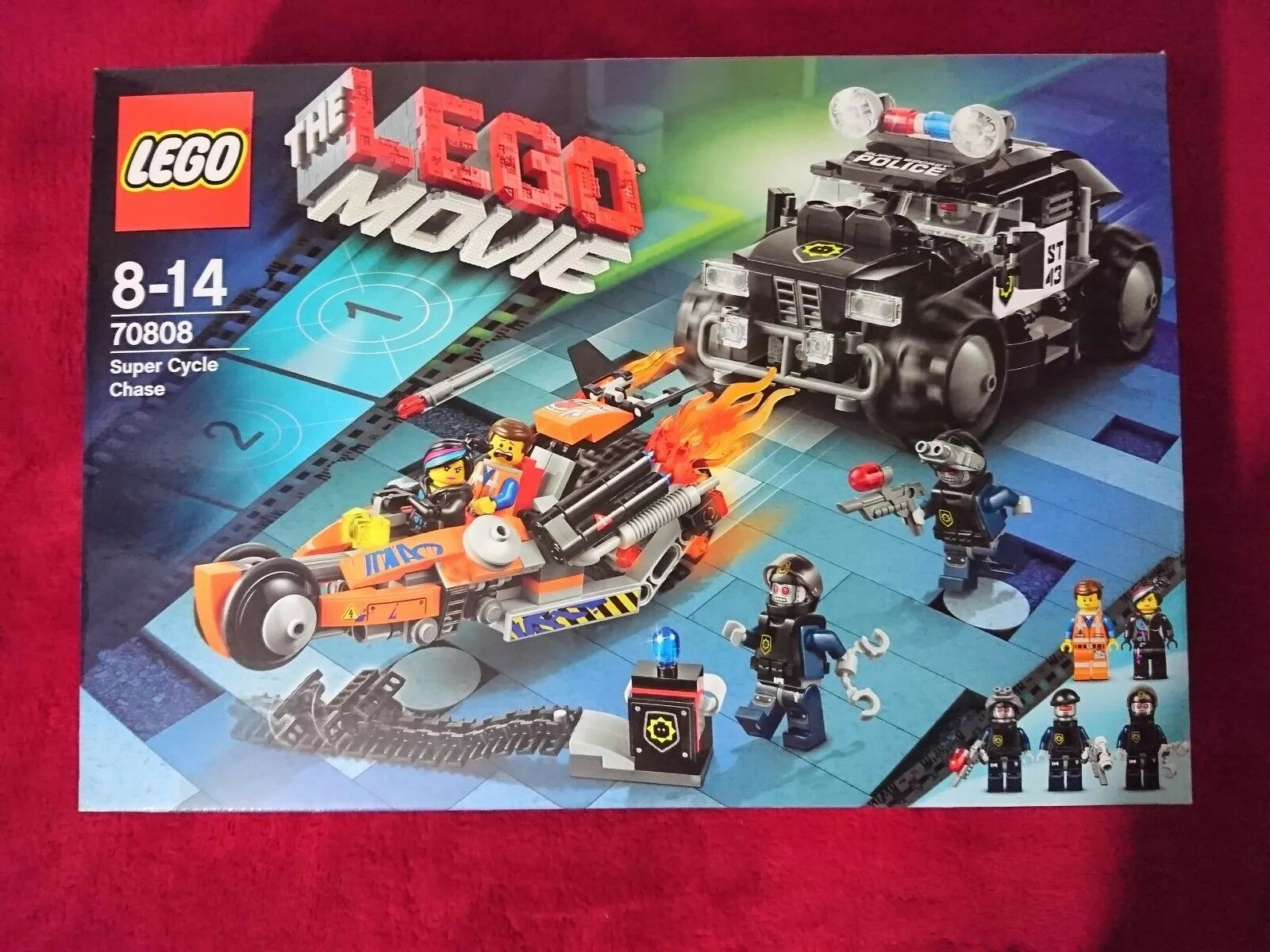 LEGO Movie 70808  SUPER CYCLE CHASE  5 Minifigures New Rare Factory Sealed Box