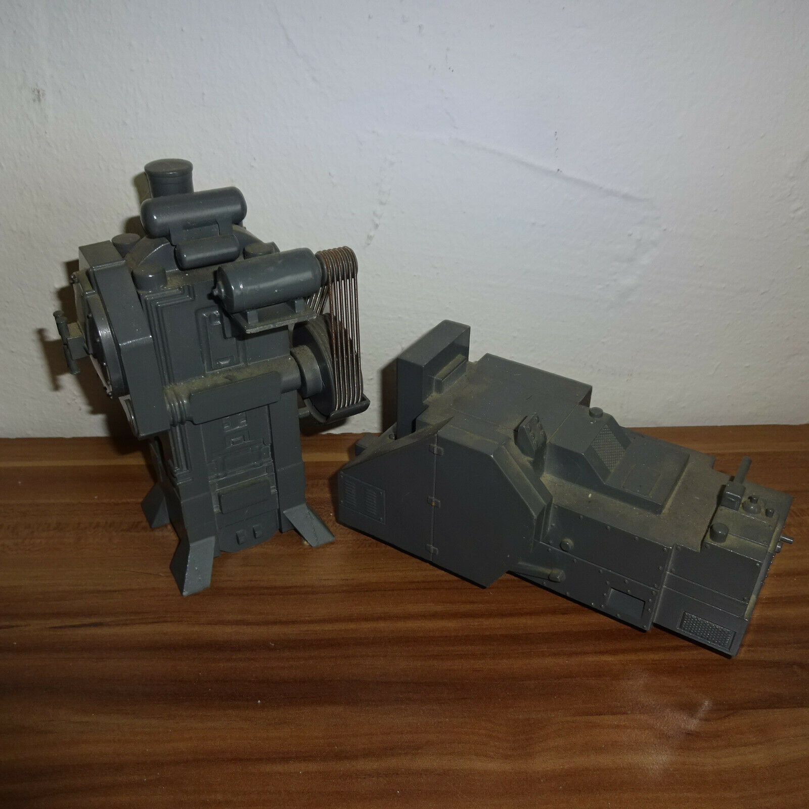 NZG modèle National Maxi Press et National Colt Heater No. 158 et 171