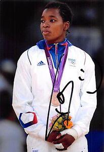 Audrey Tcheumeo - FRA - Olympia 2012 - Judo - BRONZE - Foto - orig. sig  (2)