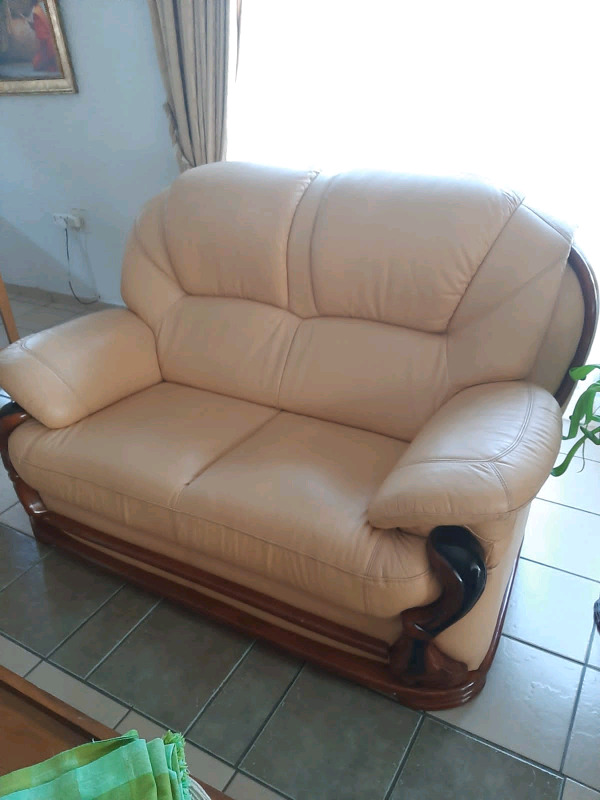 We buy second hand lounge suites