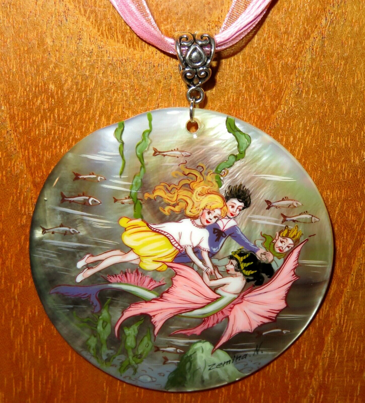 Fee & Mermaid Anhänger Florence Maria Anderson Feen Handbemalt Muschel Zemina