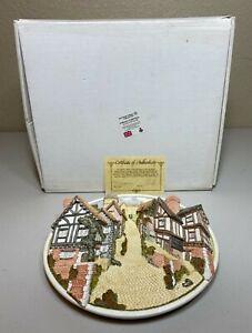 David Winter Cottages Collectors Guild 3D Plate English Village Scene BOX & COA