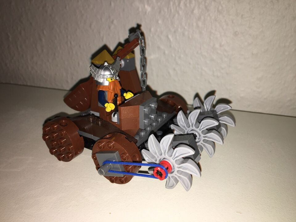 Lego Castle, 7040