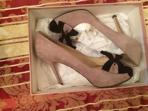 scarpe-eleganti-DECOLTe-DA-BOUTIQUE-BICOLORE-TG-39-marchio-AMARANTI