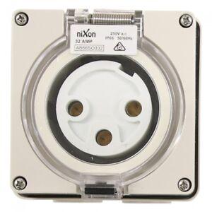 3-Pin-32Amp-Socket-Round-Pins